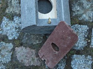 Fledermaus-Rundkasten mit abnehmbarem Holzeinsatz
